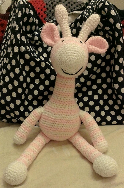 Crochet Giraffe_ I adore this giraffe, it's so sweet!